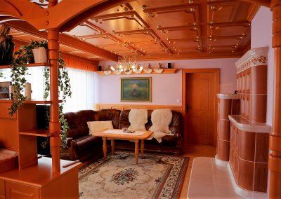 Hiša v klasičnem slogu - dnevna soba