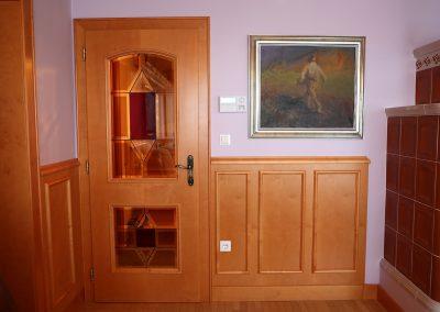 Hiša v klasičnem slogu - vrata