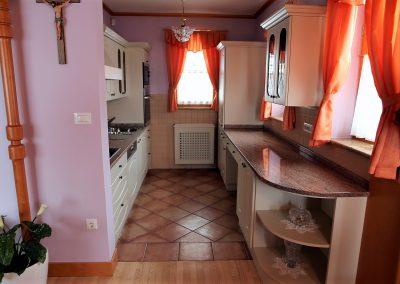 Hiša v klasičnem slogu - kuhinja