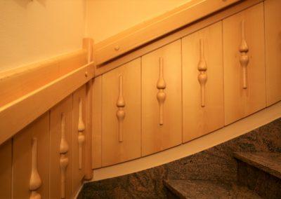 Hiša v klasičnem slogu - stopnišče
