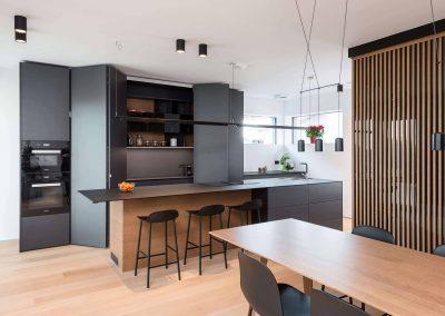 Sodoben dom s toplino hrasta - kuhinja